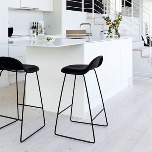gubi-3d-sled-base-stool_20