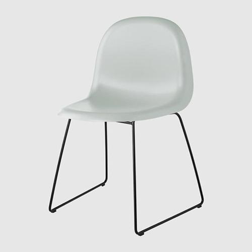 gubi-3d-sled-base-unupholstered-chair_13