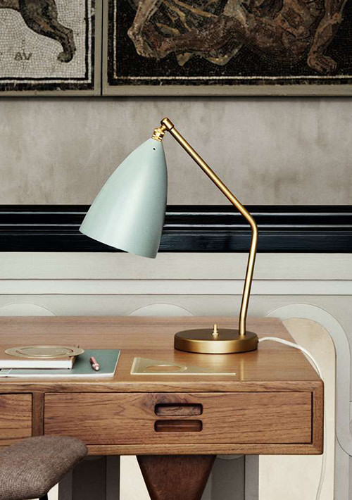 gubi-grashoppa-task-table-lamp_05