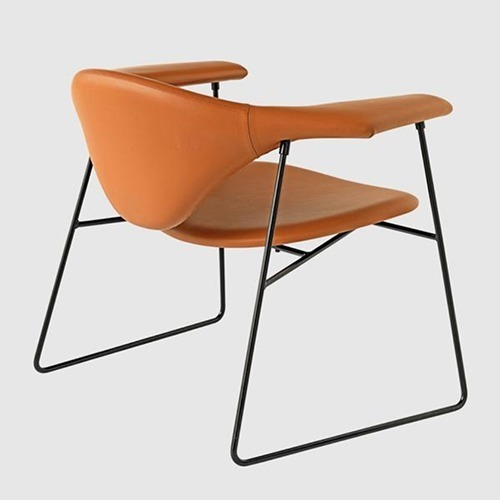 masculo-sled-base-armchair_01