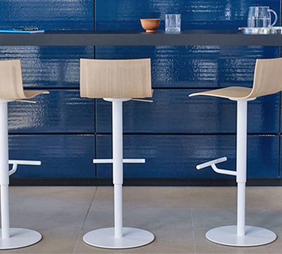thin-stool_06