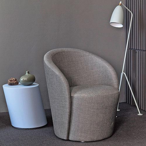 speak-easy-swivel-chair_01