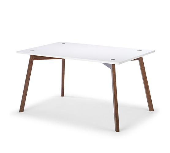 cuatro-rectangular-table