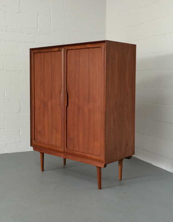 norwegian-mid-century-gentlemans-chest