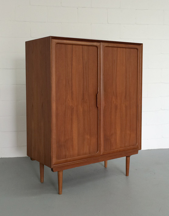 norwegian-mid-century-gentlemans-chest_01
