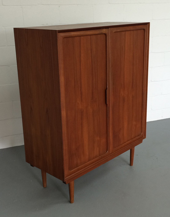 norwegian-mid-century-gentlemans-chest_02