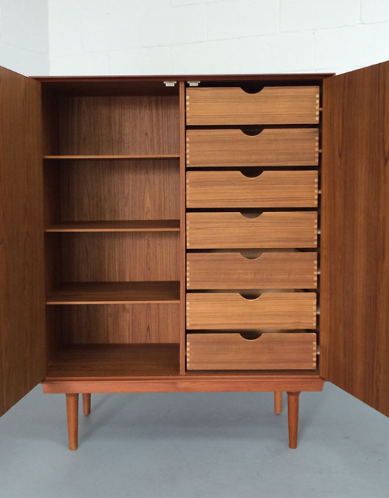 norwegian-mid-century-gentlemans-chest_03