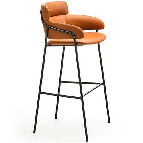 strike-stool_01