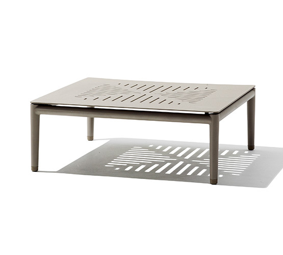conic-outdoor-coffee-table