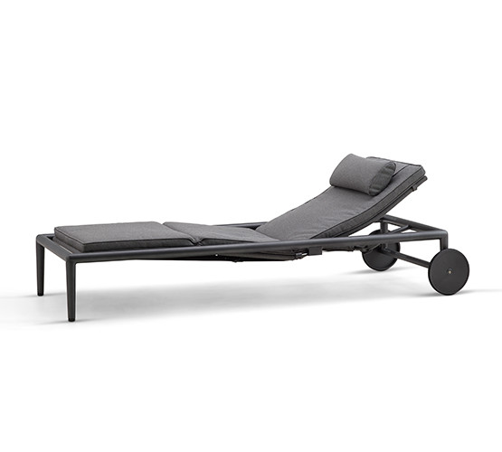conic-sun-chaise-lounge
