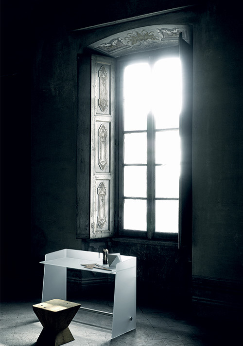 pirandello-desk_02