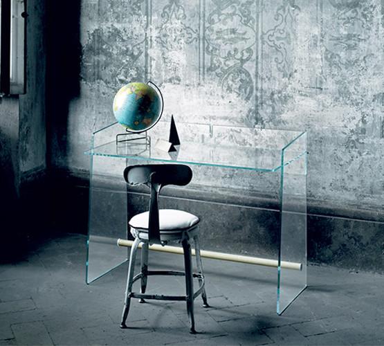 pirandello-desk_03