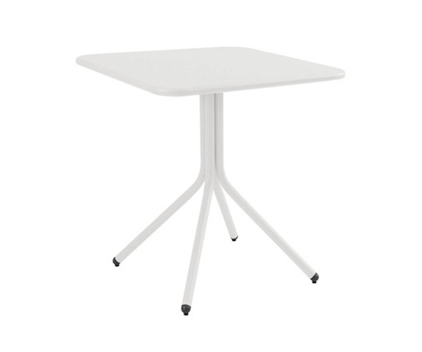 yard-bistro-table_01