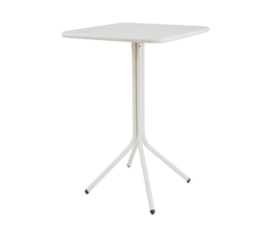 yard-bistro-table_02