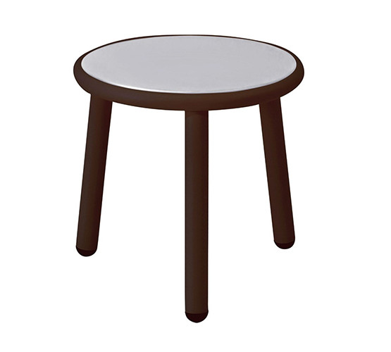 yard-coffee-and-side-table_06