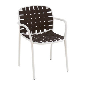 yard-dining-chair