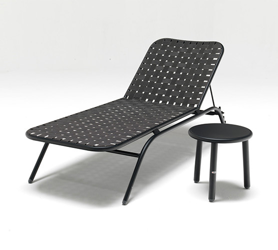 yard-sun-chaise-lounge_01