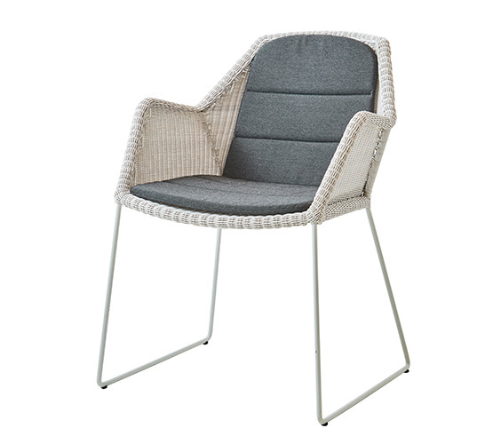 breeze-dining-chair-with-sled-base_05