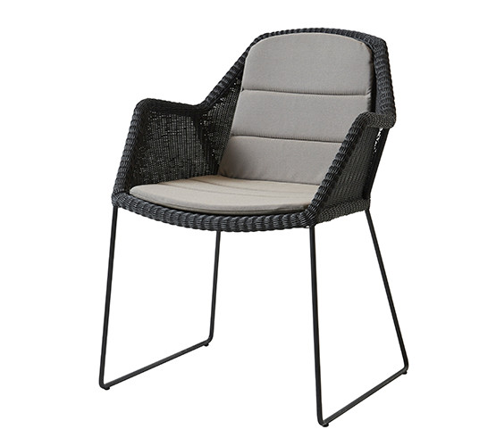 breeze-dining-chair-with-sled-base_08