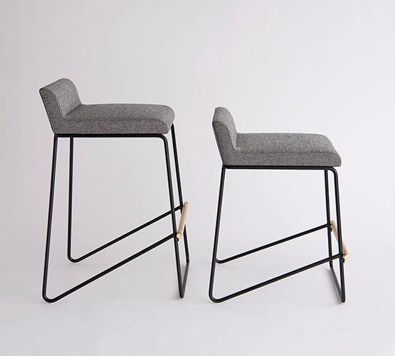 kickstand-stool_01