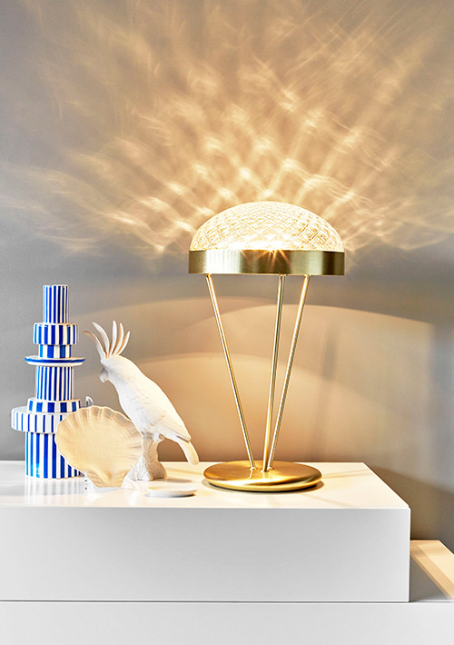 ray-table-lamp