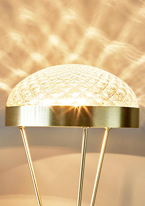 ray-table-lamp_01