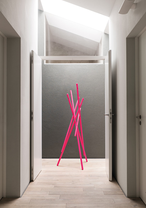 sticks-coat-rack-in-lacquer_04