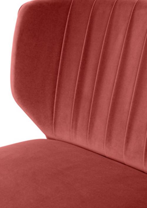 munna-lipstick-sofa_06