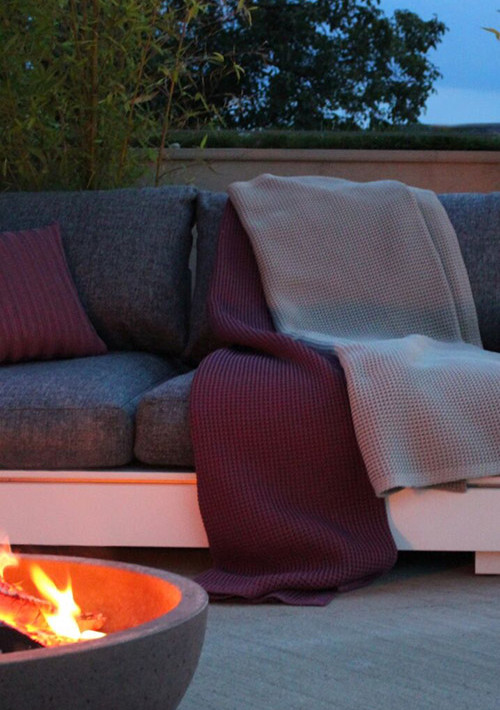 Knitted-outdoor-blanket-2_01
