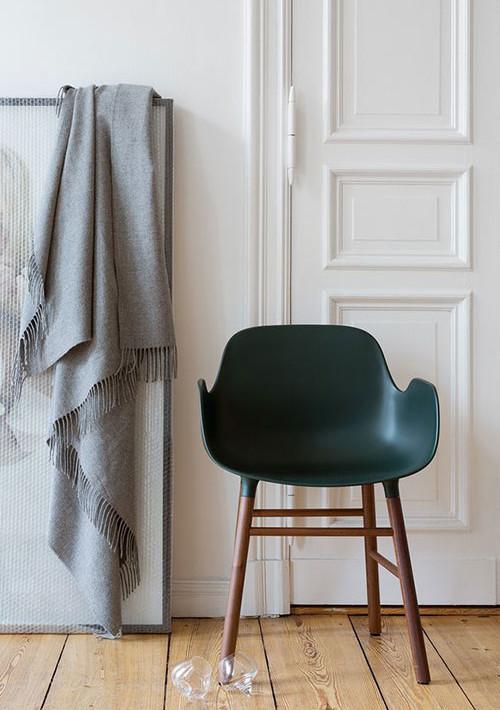 form-chair-wood-legs_66