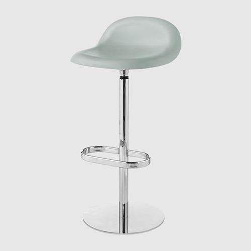 gubi-3d-swivel-stool_03