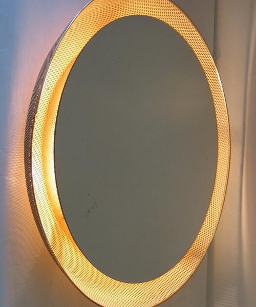 gubi-mategot-mirror-light_03