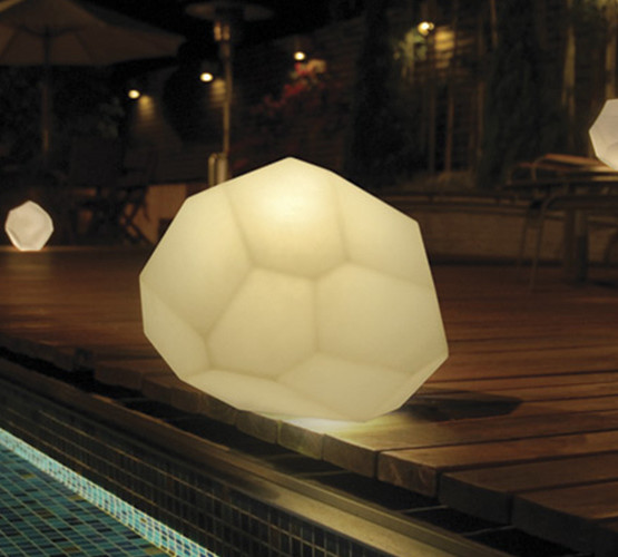 asteroid-outdoor-table-light_02
