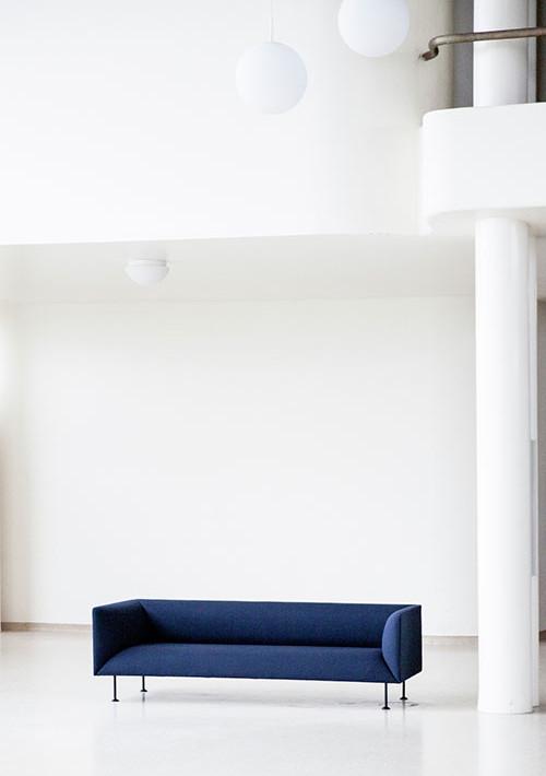 godot-sofa_13