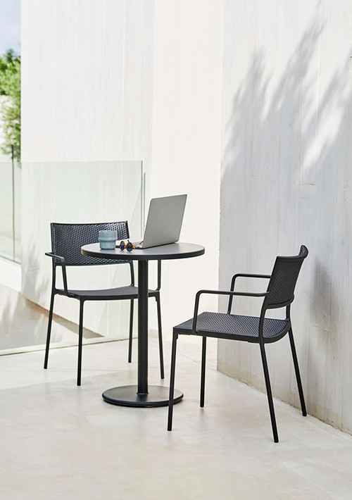 go-outdoor-bistro-table_05