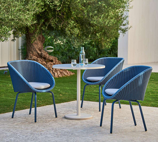 go-outdoor-bistro-table_12