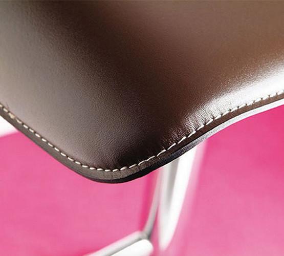 lez-stool_02