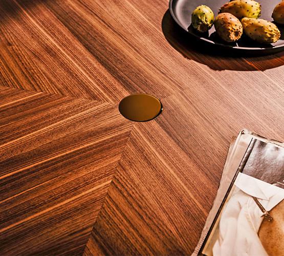 santiago-table_05