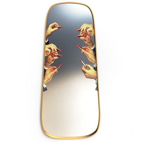 gold-frame-mirror-lipsticks_f