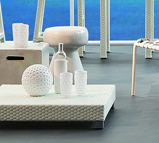 inout-ceramic-stool-tables_02