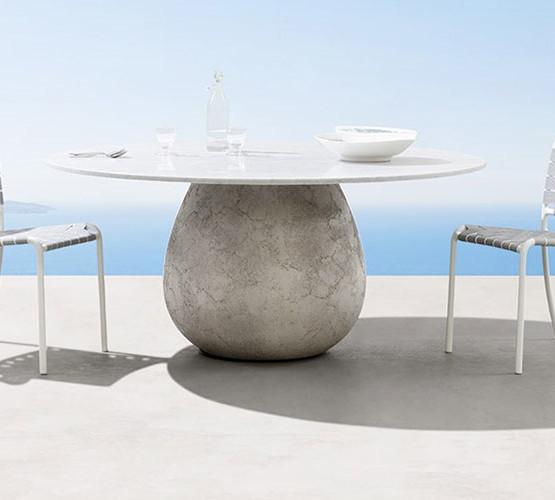 inout-concrete-table_01