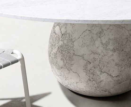 inout-concrete-table_02