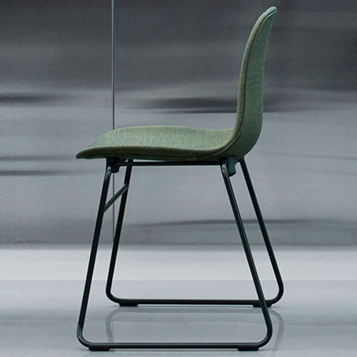 form-chair-upholstered-stacking_05