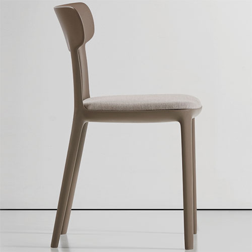queue-chairs_01