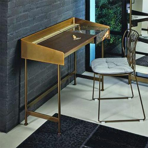 secret-desk_01