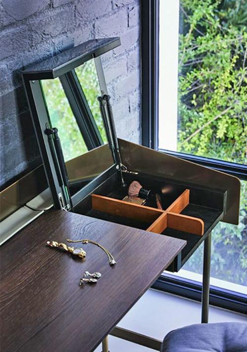 secret-desk_02