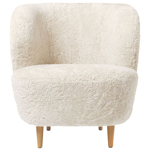 stay-sheepskin-lounge-chair-wood-legs_01