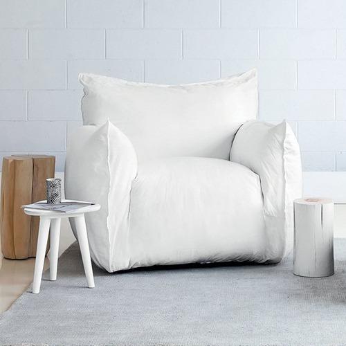 nuvolas-armchair_01