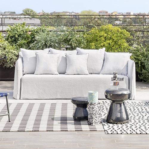 Ghost Sofa Outdoor